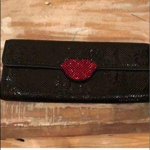 Black sequin clutch red 👄 lips